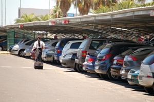 Parking-aeropuerto-Sevilla-San-Pablo